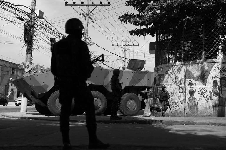 Militares durante operação no Rio, em agosto deste ano