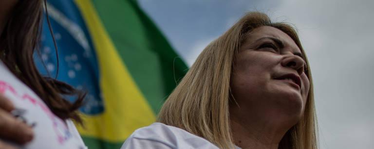 A ex-mulher do candidato do PSL à Presidência, Jair Bolsonaro, Ana Cristina Valle, durante ato para Bolsonaro