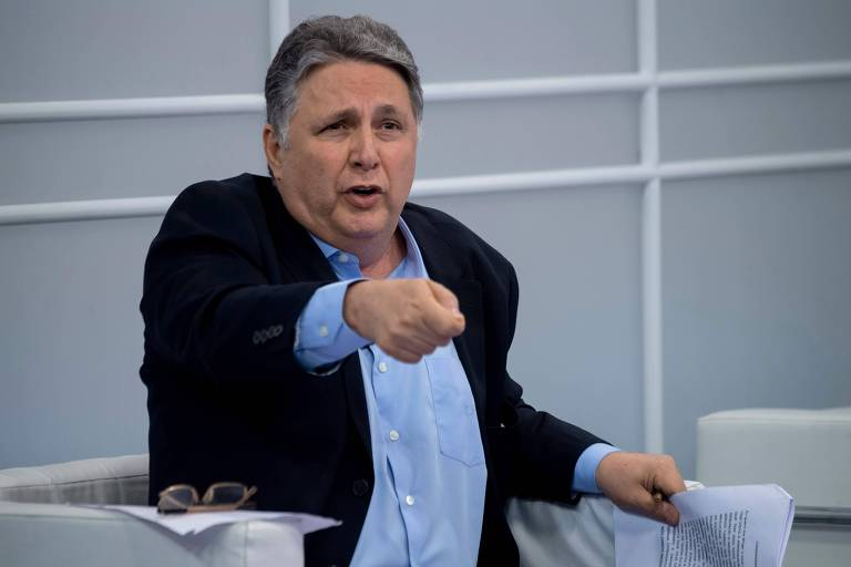 Candidato ao governo do Rio de Janeiro pelo PRP,  Anthony Garotinho durante debate
