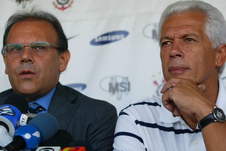 Renato Duprat (à esq.) ao lado de Emerson Leão quando era integrante da MSI, que tinha parceria com o Corinthians