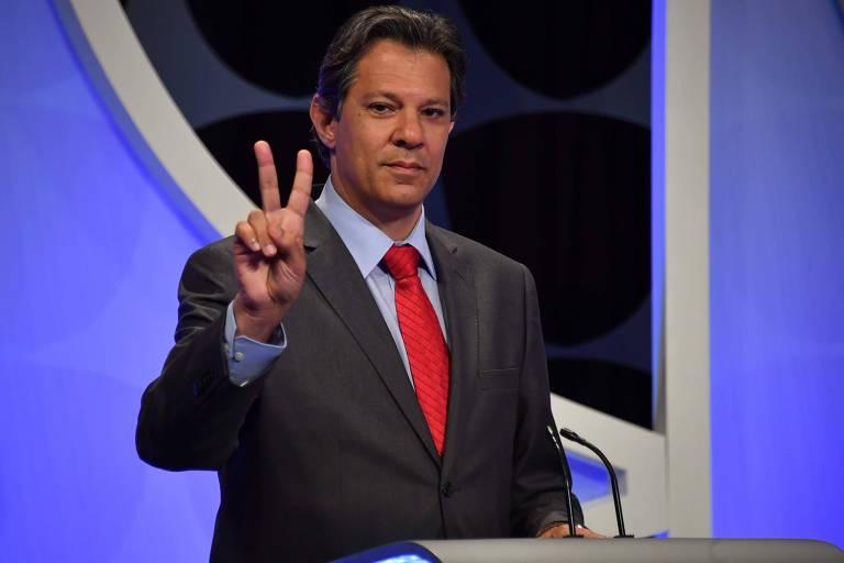O presidenciável Fernando Haddad (PT) durante debate promovido por Folha, UOL e SBT