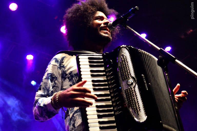 O músico Mestrinho se apresenta no domingo