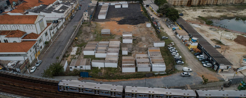 Terreno onde será o novo Atende, na esquina das ruas Porto Seguro e Cruzeiro do Sul