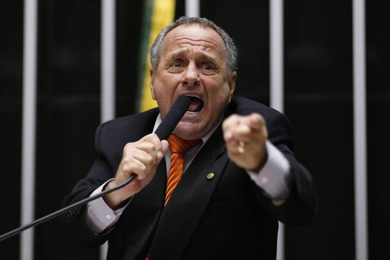 O deputado federal Carlos Manato (PSL-ES), apontado como incentivador da greve da PM no estado em 2017. Aliado de Bolsonaro, é candidato ao governo do Espírito Santo