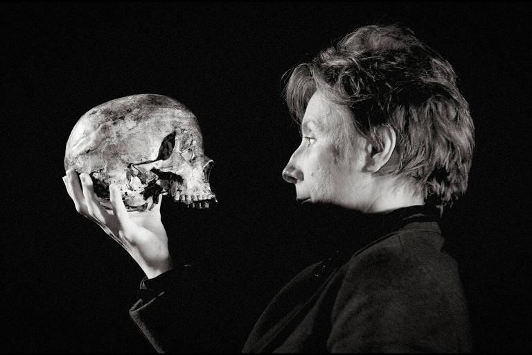 """Montagem da Armazém Companhia para """"Hamlet"""", de Shakespeare"""