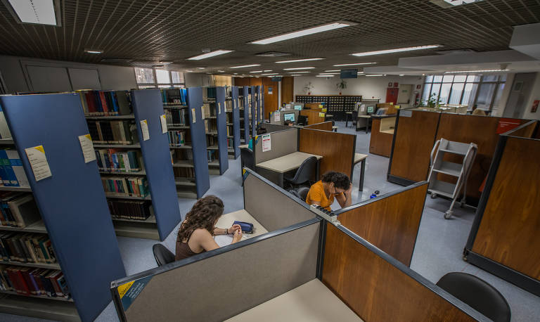 Biblioteca da FGV-SP, uma das instituições em que tem crescido a busca por especializações