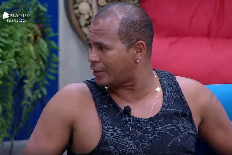 Aloísio Chulapa revela caso extraconjugal com adolescente de 17 anos
