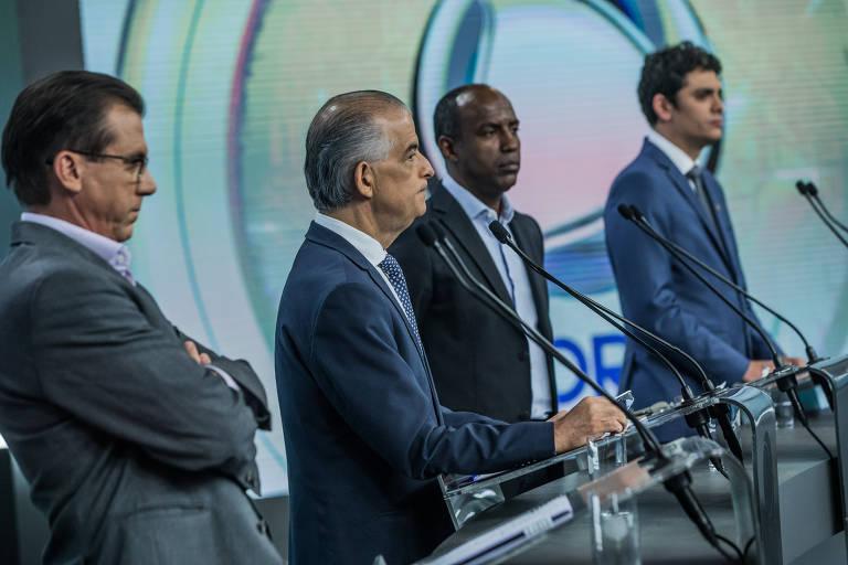 Márcio França (centro), Marinho (à esq.), Marcelo Cândido e Rodrigo Tavares, ambos à direita, durante debate da TV Record