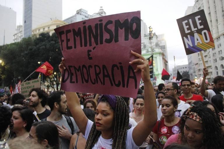 Famosos participam de ato contra Jair Bolsonaro no Rio
