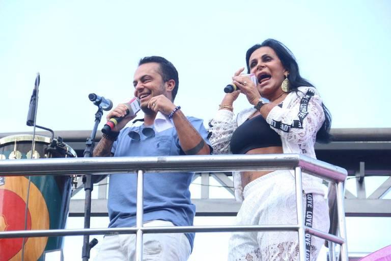 Gretchen e Thammy Miranda em um dos trios da Parada Gay do Rio