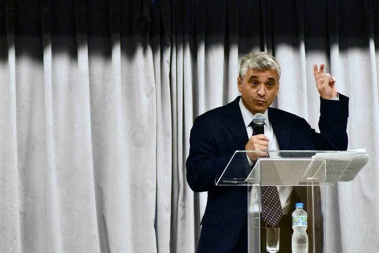 """O cientista político norte-americano Steven Levitsky, que em palestra no auditório da Folha de S. Paulo lança o livro """"Como as Democracias Morrem"""", em São Paulo"""