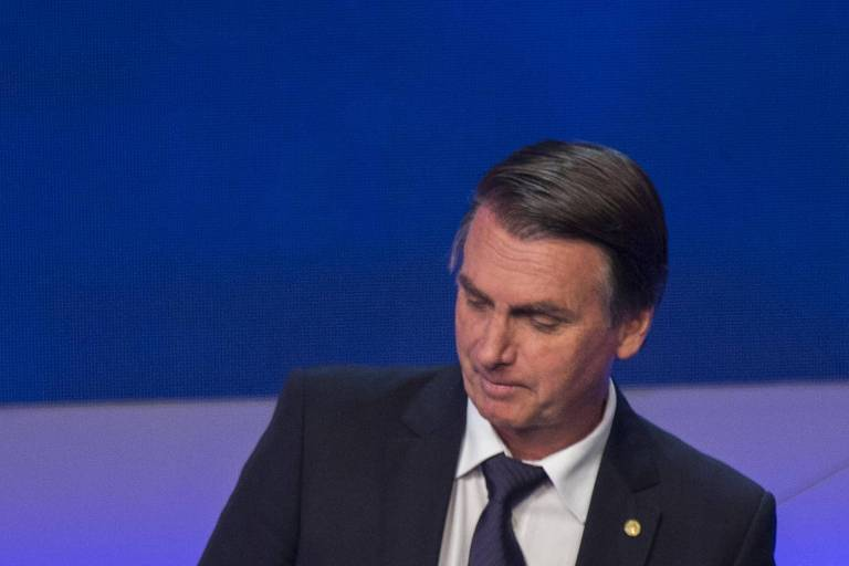 Jair Bolsonaro (PSL) durante debate com outros presidenciáveis na Band -  Bergamo Folhapress bc26b70c6b43c