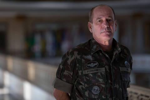 Bolsonaro anuncia assessor de Toffoli para Ministério da Defesa