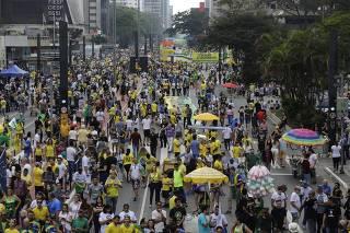 Bolsonaristas fazem ato na avenida Paulista (SP)