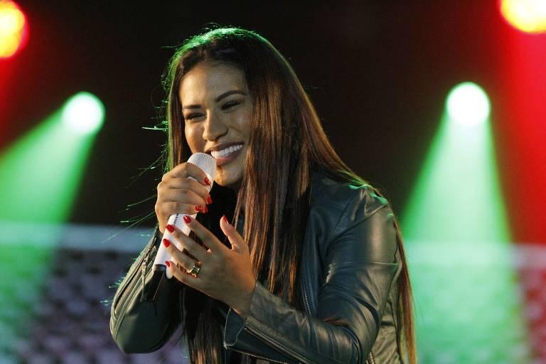 Simone, da dupla com Simaria, faz show em Niterói