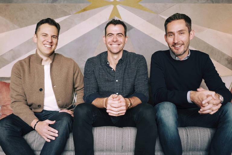 Adam Mosseri, no centro, ao lado dos confundadores do Instagram, Kevin Systrom, à direita, e Mike Krieger