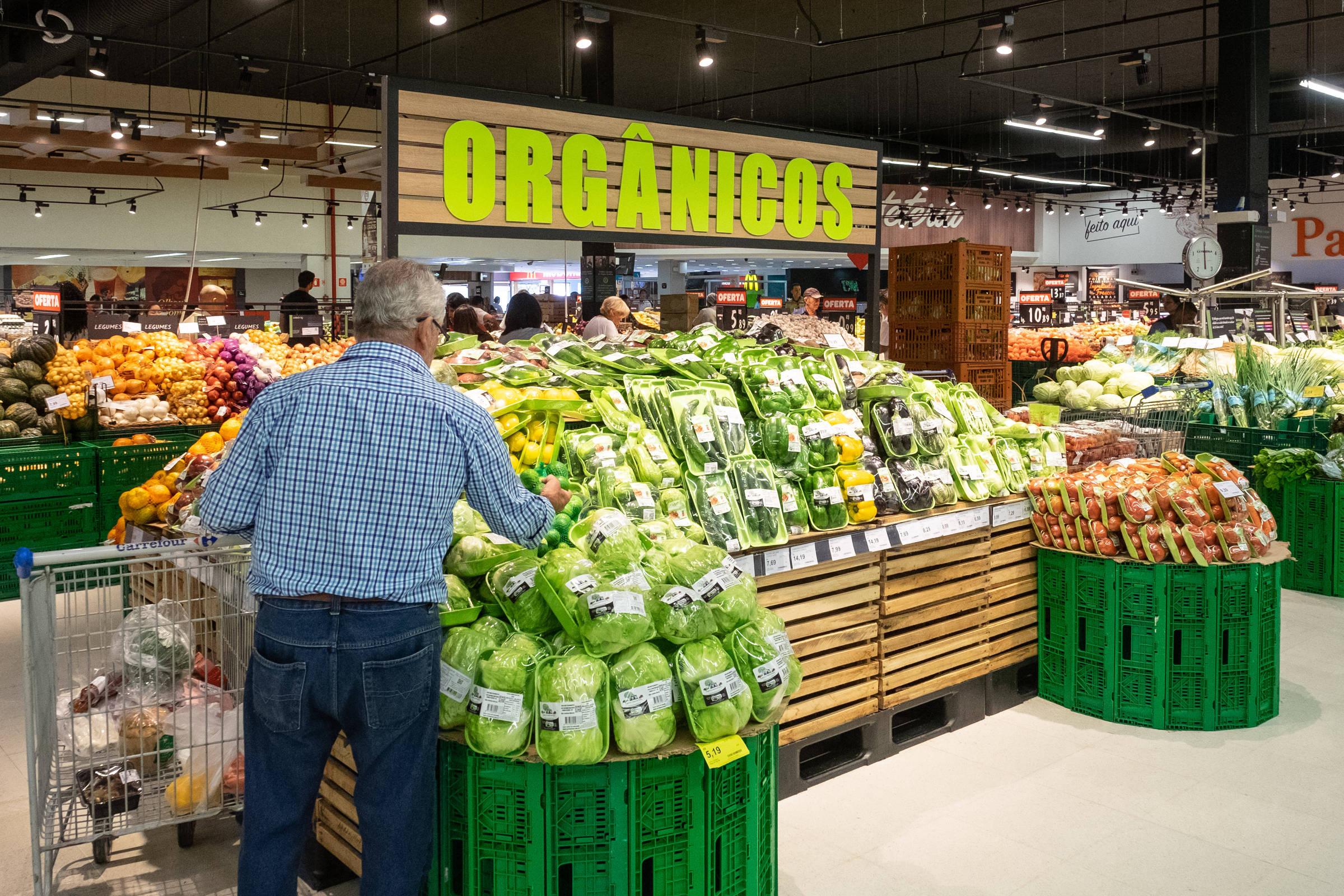 5c1c60b1b Alimentação saudável é foco de nova iniciativa do Carrefour - 01/10/2018 -  Mercado - Folha