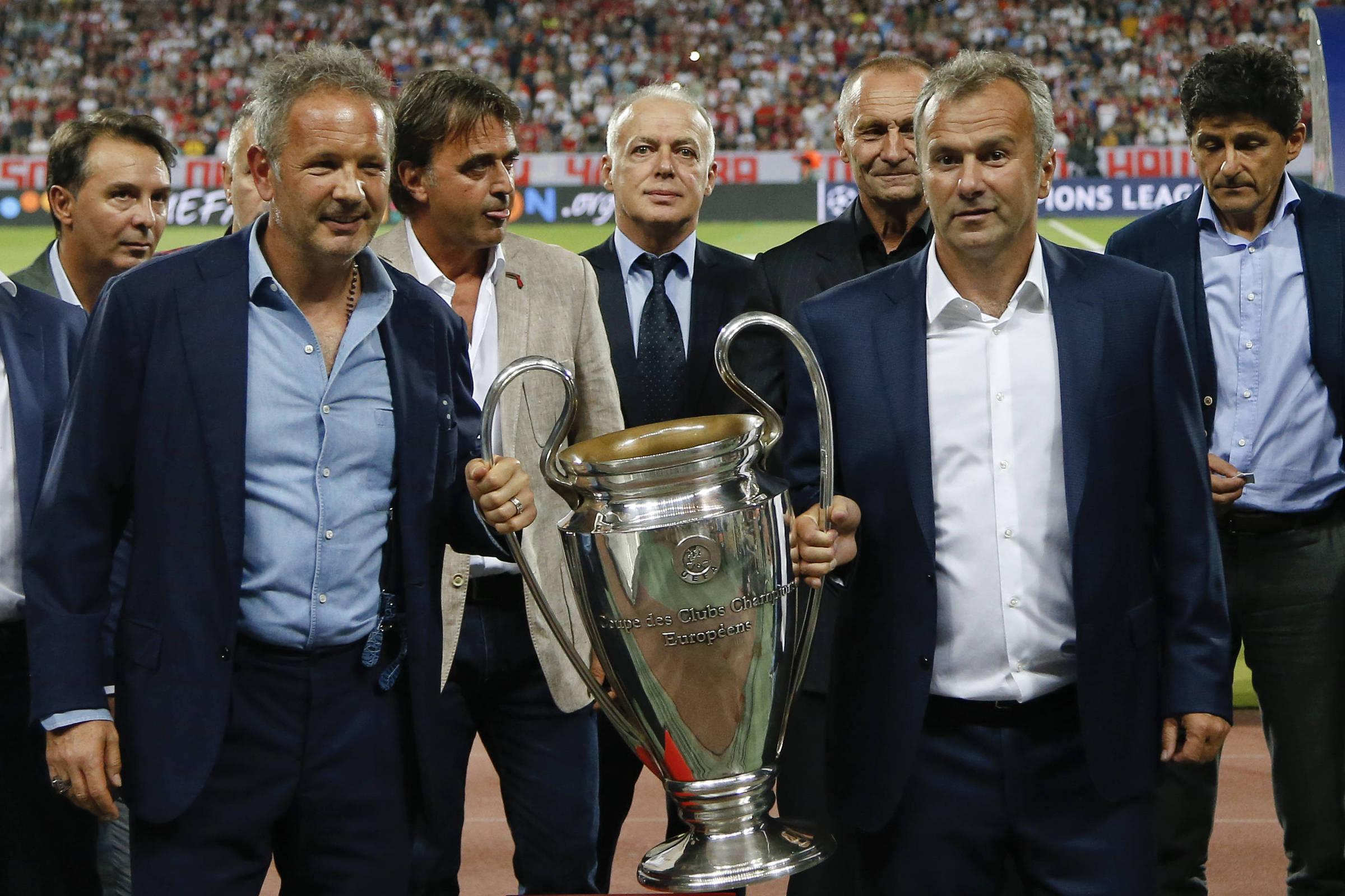 a8dc950782 Estrela Vermelha é um campeão à moda antiga na Champions moderna -  02 10 2018 - Esporte - Folha