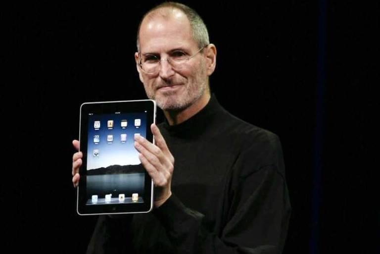 Steve Jobs chamou Facebook de 'Fezesbook' em troca de emails