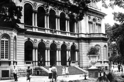 LOCAL E DATA DESCONHECIDA: Fachada do Palácio dos Campos Elísios, com suas luxuosas instalações, em São Paulo (SP). (Foto: Folhapress)