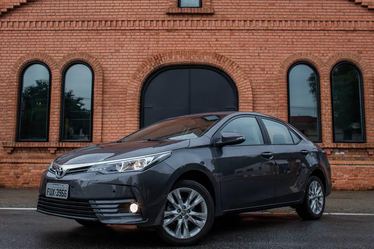 Toyota Corolla lidera entre os sedãs médios mais buscados no mercado de veículos usados
