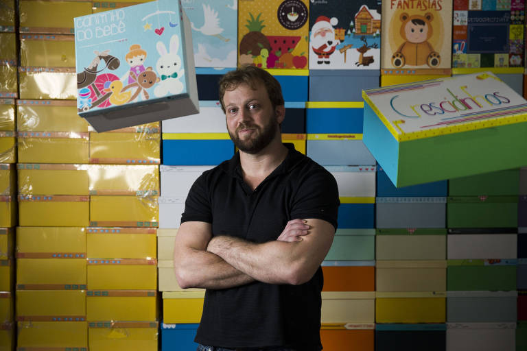 Felipe Wasserman, dono da empresa Petitebox, na sede da empresa, em São Paulo