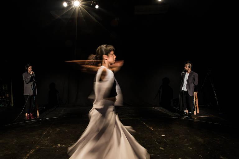 Ensaio da performance do artista Nuno Ramos