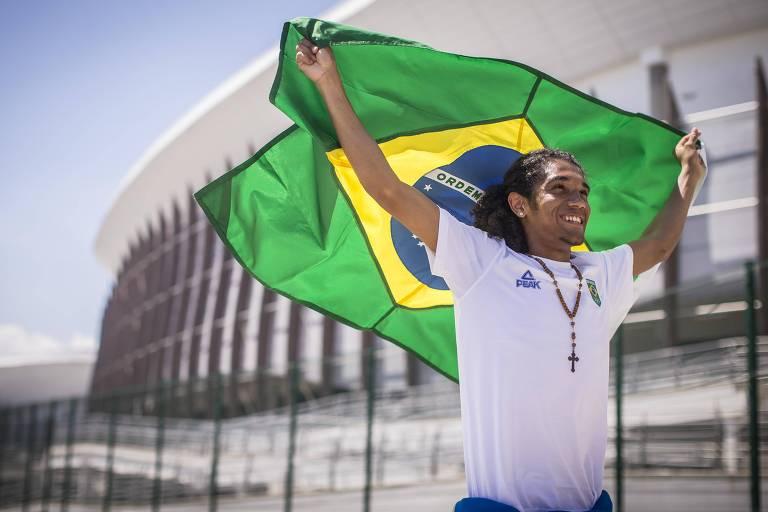 O boxeador Luiz Gabriel de Oliveira Oliveira foi o porta-bandeira do Brasil na cerimônia de abertura