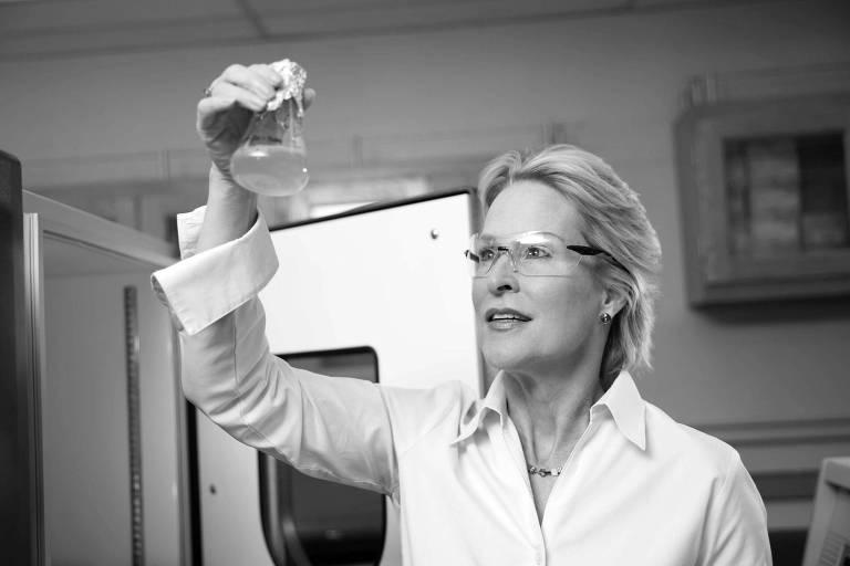 Frances H. Arnold, vencedora de Nobel de Química de 2018 com George P. Smith e Gregory P. Winter