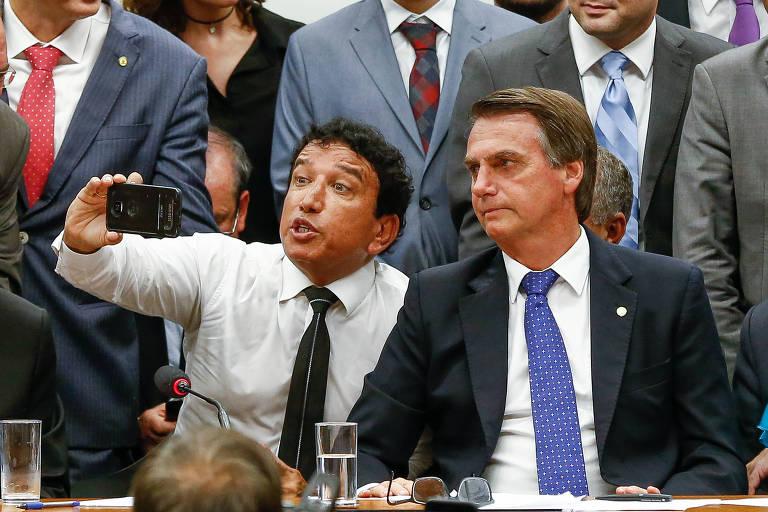 Jair Bolsonaro (PSL-RJ) com o senador e pastor evangélico Magno Malta (PR-ES)