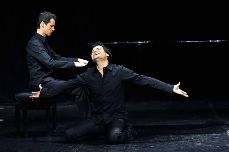 Musical 'pocket' em SP relembra compositor italiano 'espelho' de Chico Buarque