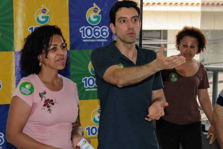 Guilherme Ribeiro (PRB) em agenda de campanha na zona leste de São Paulo. Ele é candidato a deputado federal pelo PRB e afilhado político de Paulo Maluf