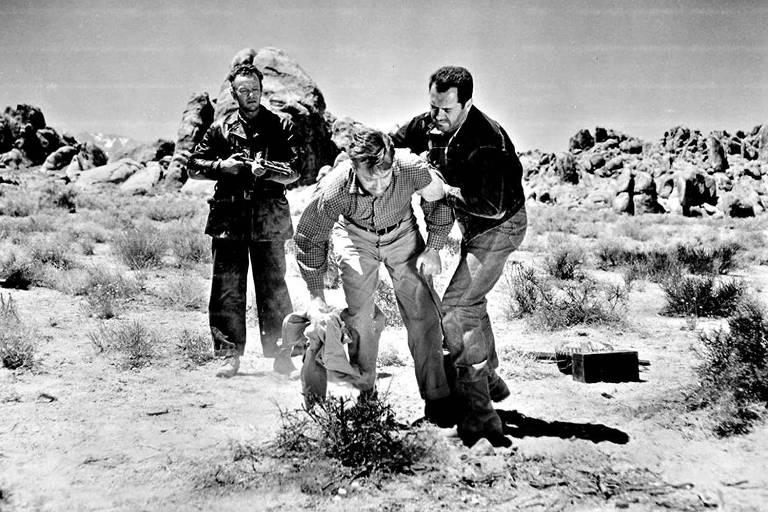 Frank Lovejoy, Edmond O'Brien, e William Talman em 'O Mundo Odeia-me'