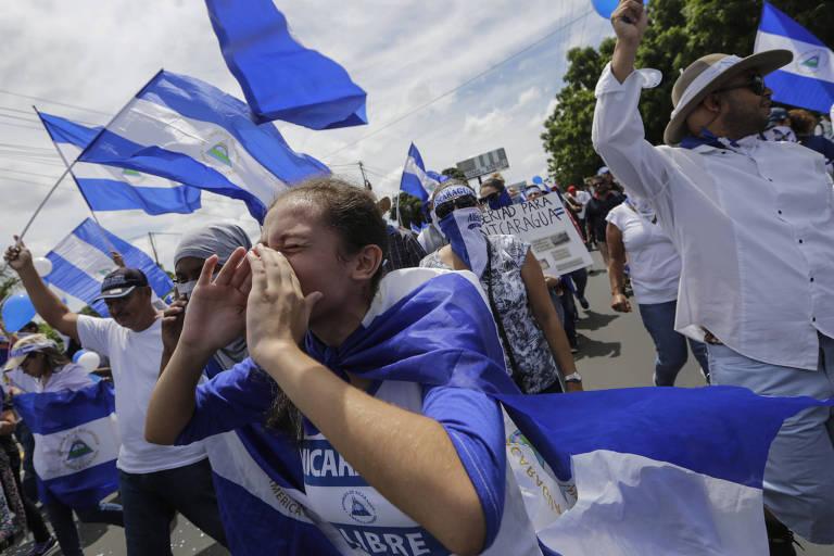 Manifestantes durante protesto contra o ditador Daniel Ortega na Nicarágua
