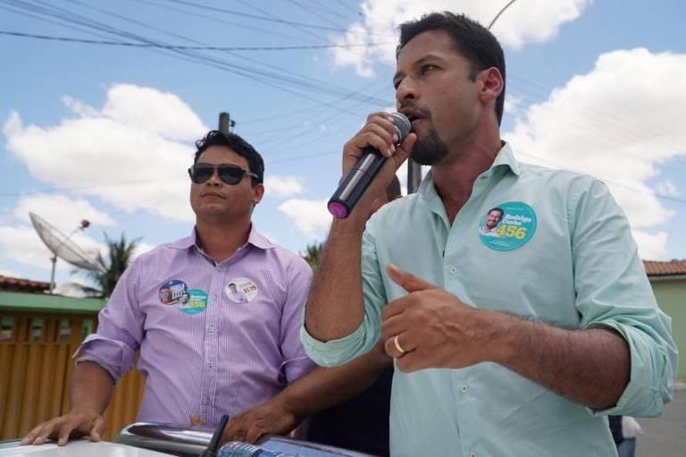 O candidato ao Senado por Alagoas Rodrigo Cunha (PSDB) discursa durante ato de campanha