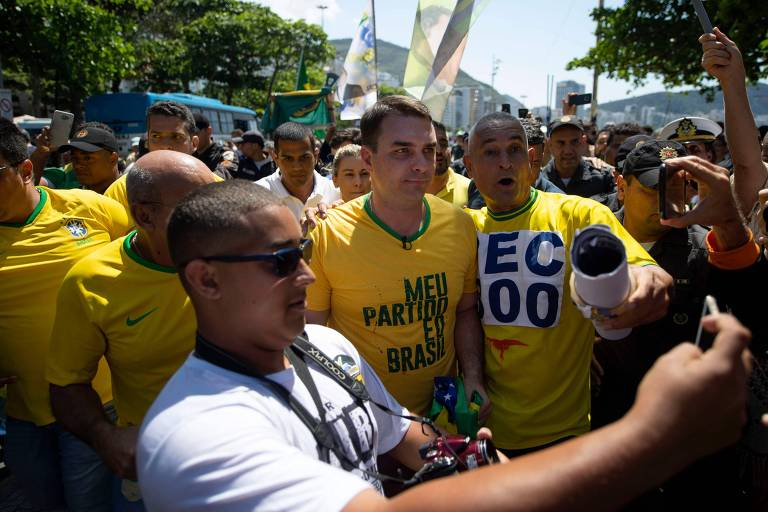 Flávio Bolsonaro (PSL), que lidera a corrida ao Senado pelo Rio de Janeiro