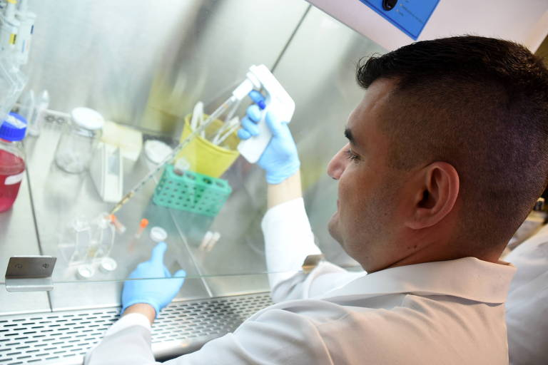 Marcelo Lancellotti, professor da Faculdade de Ciências Farmacêuticas da Unicamp que desenvolve vacina contra o vírus da Zika