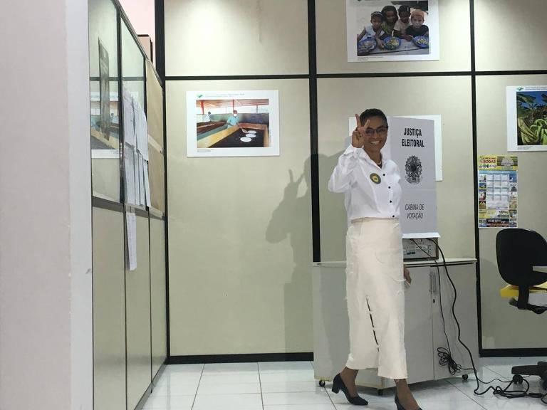 A candidata da Rede, Marina Silva, vota na sede do Incra em Rio Branco, capital do Acre