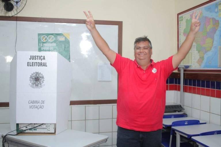 O governador Flávio Dino PCdoB votou nesta manhã no Olho D'Agua