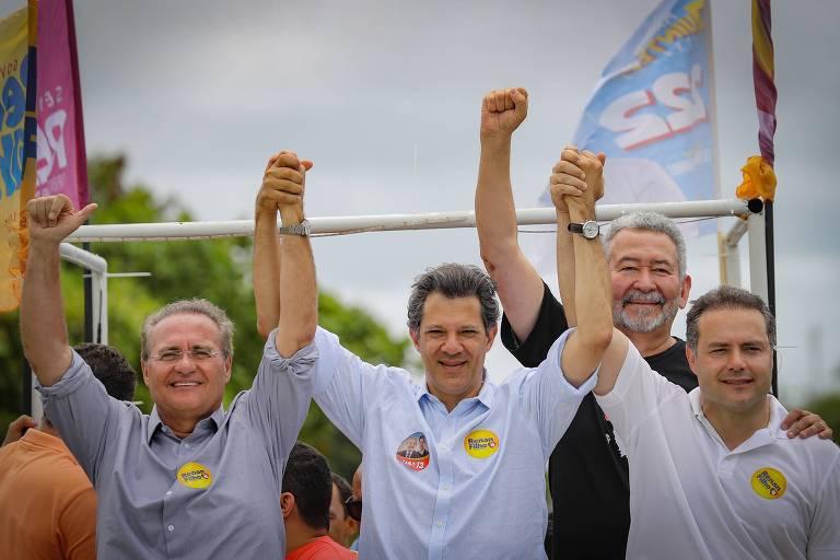 Renan Filho (dir.) ao lado de Fernando Haddad e Renan Calheiros durante carreata em AL