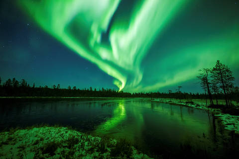 The Aurora Borealis (Northern Lights) is seen over the sky near Rovaniemi in Lapland, Finland, October 7, 2018. Pictures taken October 7, 2018.  REUTERS/Alexander Kuznetsov TPX IMAGES OF THE DAY ORG XMIT: ROV100