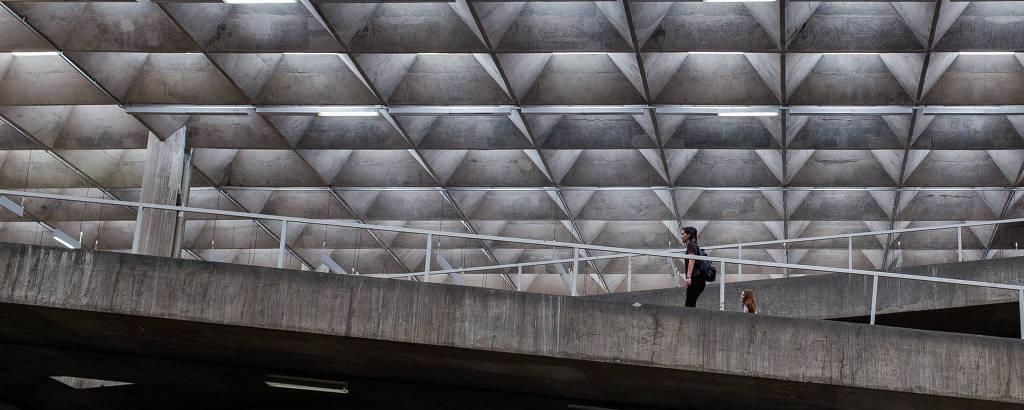 A Faculdade de Arquitetura e Urbanismo da USP, prédio de Vilanova Artigas