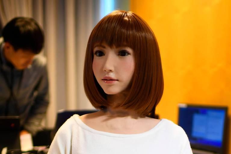 Um robô chamado Erica criado por pesquisador japonês tem formas humanas e realistas
