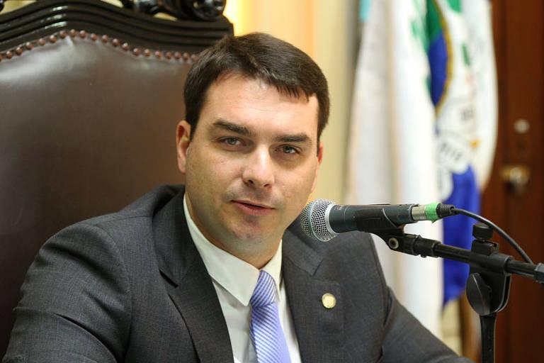 Flávio Bolsonaro, que era deputado estadual no Rio de Janeiro e foi eleito senador pelo estado