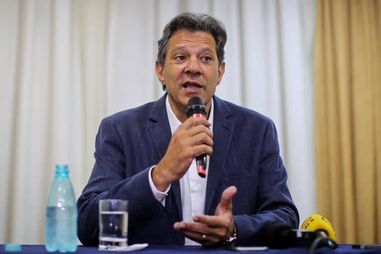 Fernando Haddad (PT) dá coletiva de imprensa após visitar Lula na cadeia nesta segunda (8)