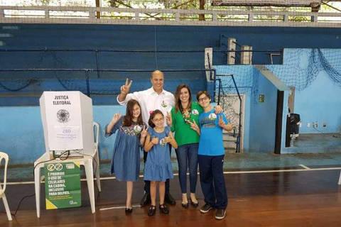 Datafolha traz Witzel com 61% e Paes, 39% dos votos válidos no RJ