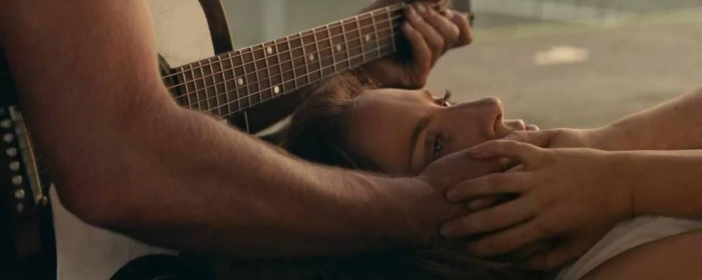 Cena de 'Nasce uma Estrela', longa protagonizado por Bradley Cooper e Lady Gaga