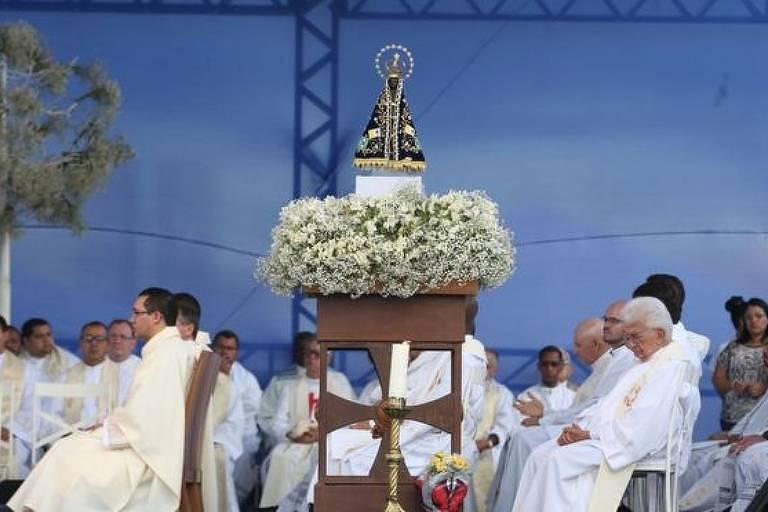 Nossa Senhora Aparecida é o nome que acabou sendo dado a uma imagem de Nossa Senhora da Conceição encontrada 301 anos atrás