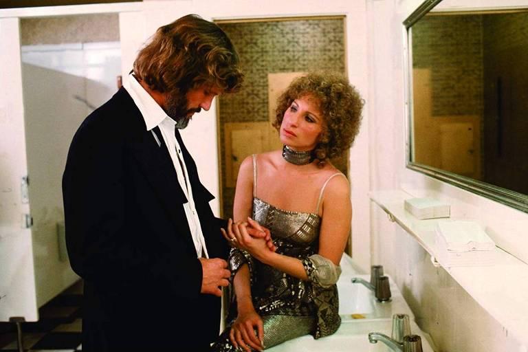 Kris Kristofferson e Barbra Streisand em 'Nasce uma Estrela' (1976)
