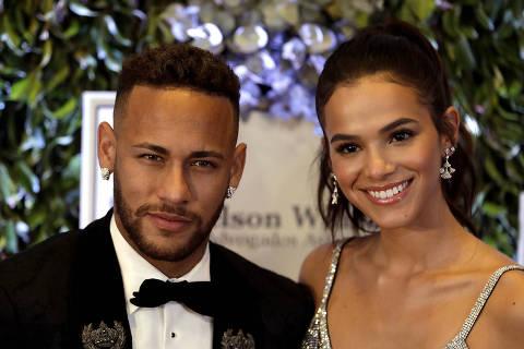 SAO PAULO, SP, 19.07.2018: NEYMAR-JR - O jogador do Paris Saint-Germain, Neymar Jr e sua namorada a atriz Bruna Marquezine, durante leilão beneficente da fundação que leva o nome do jogador, em um hotel de São Paulo, na noite desta quinta-feira, 19. (Foto: Marcelo Chello/CJPress/Folhapress) ***PARCEIRO FOLHAPRESS - FOTO COM CUSTO EXTRA E CRÉDITOS OBRIGATÓRIOS*** ORG XMIT: AGEN1807192303106399 ORG XMIT: AGEN1807231312727236 ORG XMIT: AGEN1807231857672276 ORG XMIT: AGEN1807291958113178 ORG XMIT: AGEN1808041341068334 ORG XMIT: AGEN1809271950660559